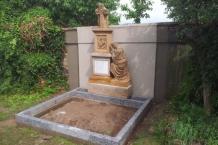 Stavba nových dílů po renovaci pomníku