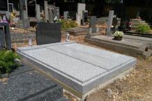 1_40-tarn-impala-pomník-růže
